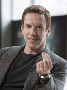 "Damian Lewis as Bobby ""Axe"" Axelrod in Billions (Season 1, Episode 1). - Photo: JoJo Whilden/SHOWTIME - Photo ID: Billions_101_4565.R"